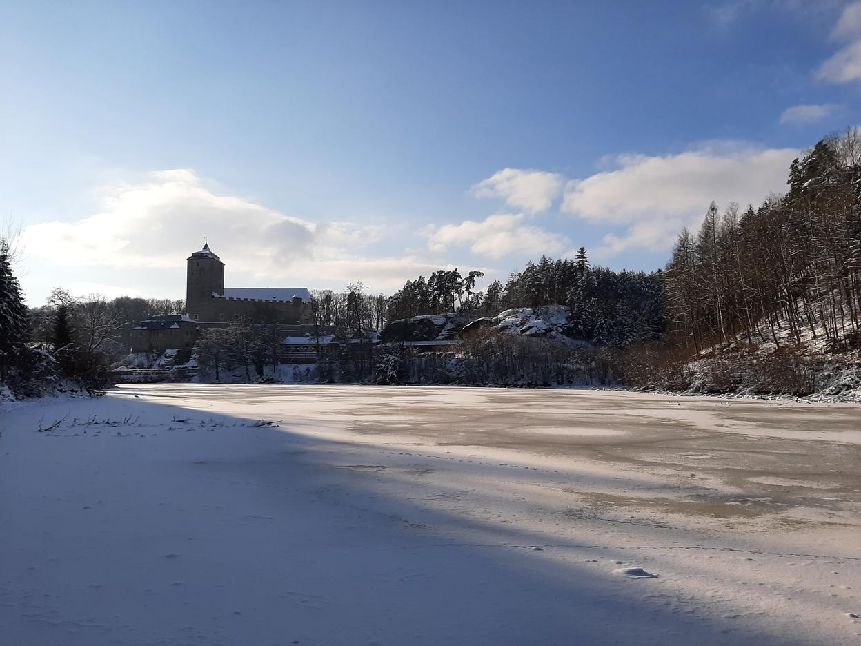 Another view of the castle, this time with a frozen lake